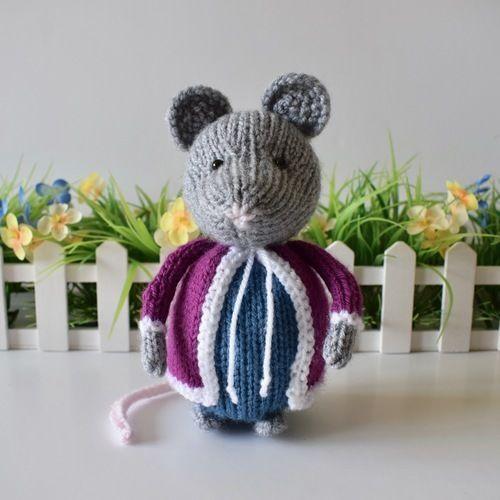 Makerist - Christmas Mouse - Knitting Showcase - 1