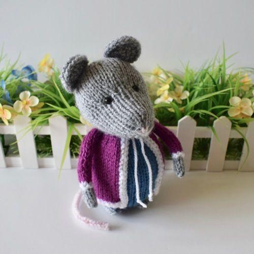 Makerist - Christmas Mouse - Knitting Showcase - 3