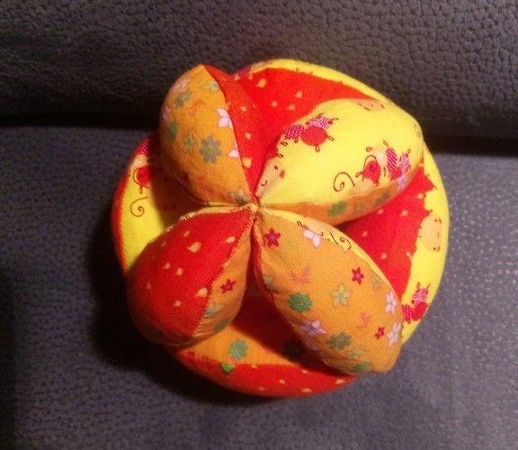 Makerist - Ein Greifball für Babies - Nähprojekte - 3