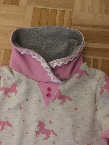 Makerist - Rüschenkleid aus Sweatstoff mit Einhörnern - Nähprojekte - 3