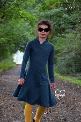Ein schlichtes Kleid für die Tochter - Lykka von Mamili