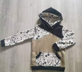 Makerist - Totenkopf hoodie - 1