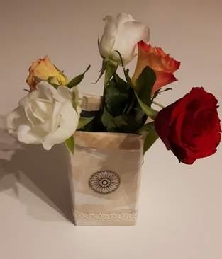 Makerist -  Upcycling Blumenvase aus Milchkarton  - 1