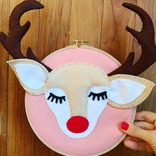 Makerist - Happy felt Reindeer Door Sign  - 1