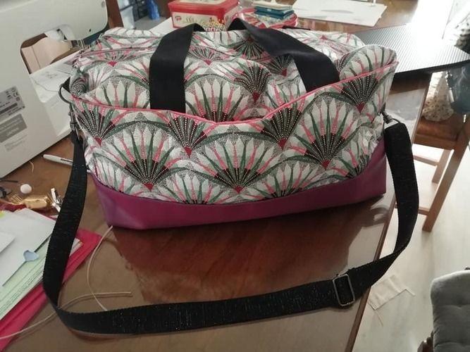 Makerist - Mon premier sac Georges en jacquard & simili cuir pour ma belle soeur. - Créations de couture - 1