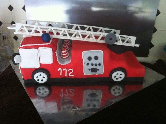 Makerist - Feuerwehr torte - Torten, Cake Pops und Cupcakes - 1