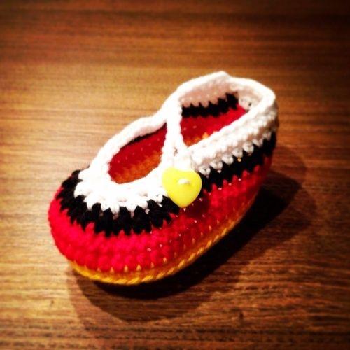 Makerist - Deutschland Fußball-Babyschuh für Mädchen - Häkelprojekte - 1