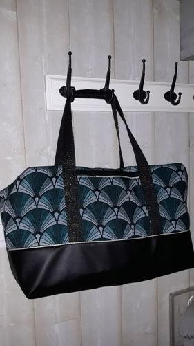 Makerist - Mon 1er sac georges ! En simili cuir noir et jacquard - Créations de couture - 3