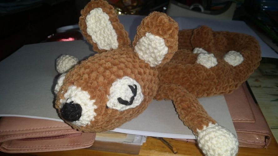 Makerist - Bambi will kuscheln. Kuschelweiche Kuschelwolle wie in der Anleitung von BOmondo beschrieben. Kuscheln darf die Tochter meiner Nichte damit. Sie ist jetzt 3 Monate alt und ihr werde ich es schenken. - Häkelprojekte - 3