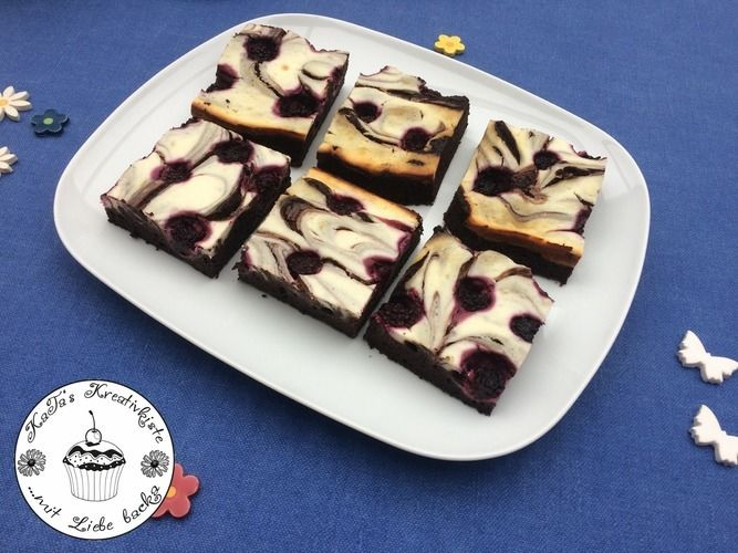 Makerist - Winter – Brownies mit Cheesecake und Brombeeren - Torten, Cake Pops und Cupcakes - 1