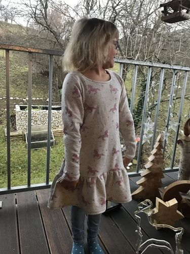 Makerist - Rosa-Glitzer Einhornkleid - Nähprojekte - 3