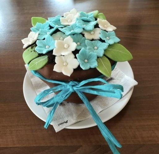 Makerist - Blumentopf-Torte gefüllt mit Schokobrownie - Torten, Cake Pops und Cupcakes - 1