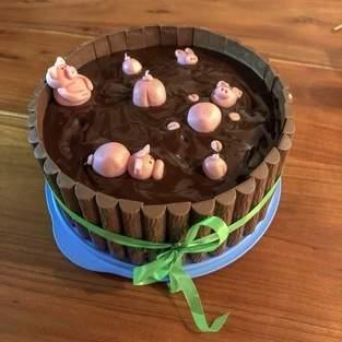 Makerist - Schweinchentrog-Torte für Schokoliebhaber - 1
