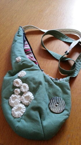 """Makerist - Schultertasche """"Halbmond mit barnacles"""", aus Baumwollstoff, für mich, Copyright orimono 4/2012 - Nähprojekte - 1"""