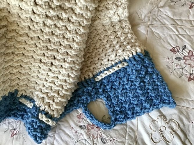 Makerist - The Denmark Throw - Crochet Showcase - 1