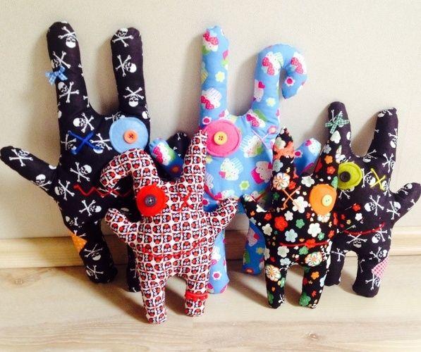 Makerist - Monsterkissen mit kleiner Tasche auf dem Po aus Baumwollstoff für Mädchen und Jungen - Nähprojekte - 1