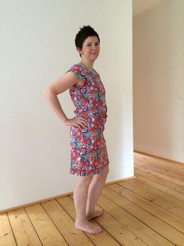 Makerist - Kleid Julie im blumenlook - Nähprojekte - 1