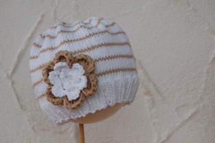 Makerist - Strickmütze mit großer Blume - 1