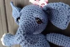 Makerist - Kleines, müdes Elefantenbaby - 1