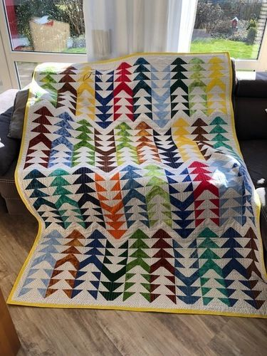 Makerist - Flying-Geese Tagesdecke für mein Sofa  - Patchwork-Projekte - 1