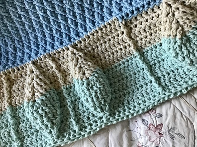 Makerist - Leaf Motif Baby Blanket  - Crochet Showcase - 2