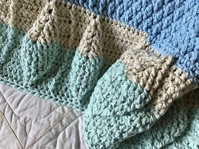 Makerist - Leaf Motif Baby Blanket  - Crochet Showcase - 3