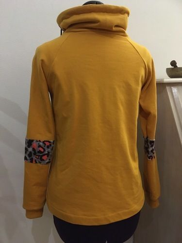 Makerist - Hoodie aus Sweatstoff mit Animal Print  - Nähprojekte - 2
