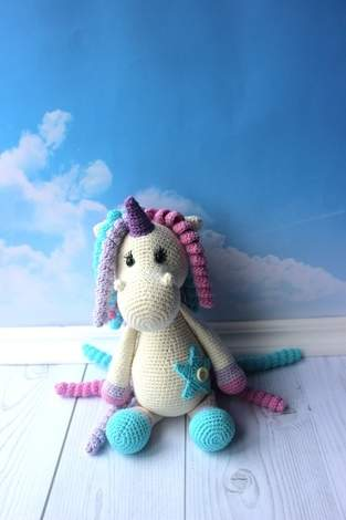Makerist - Crochet Unicorn toy pattern - 1