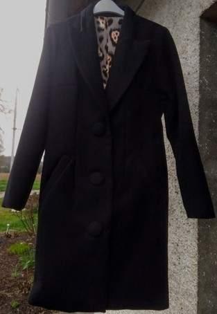 Mon manteau MEGAN. Le manteau est en laine doublé de coton élasthanne. Je l'ai fait pour ma fille.