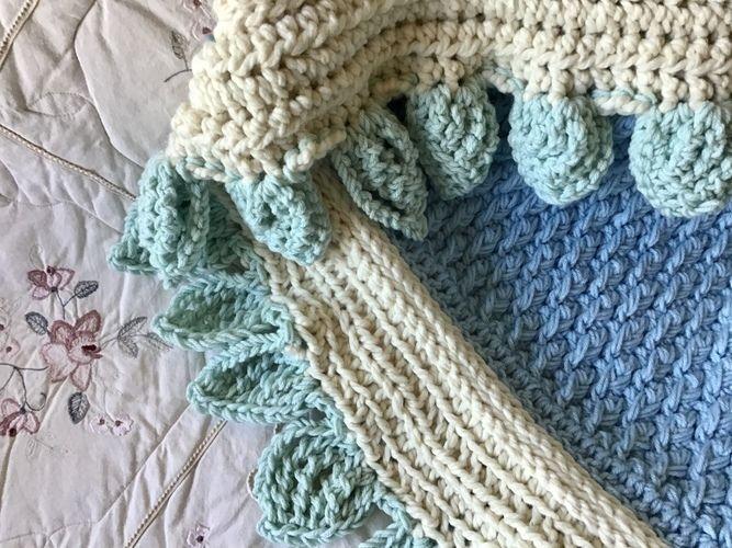 Makerist - Autumn Leaves Baby Blanket  - Crochet Showcase - 3