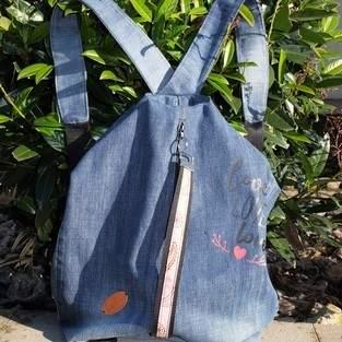 Ein wunderbarer Rucksack/Beutel aus einer alten Jeans
