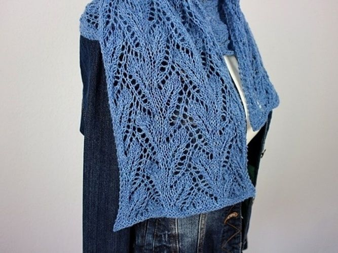 Makerist - Sapphire Scarf - Knitting Showcase - 2