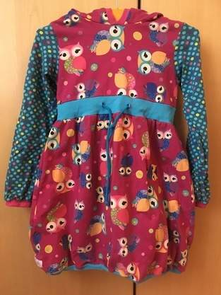 Zipfel Kapuzen Kleid mit Eulen