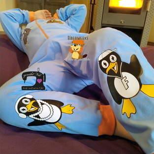 Makerist - Pinguine Fabienne&Fabian von Biberwerke auf einem Schlafoverall - 1