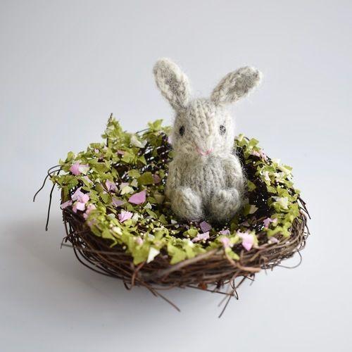 Makerist - Teeny Bunny - Knitting Showcase - 1