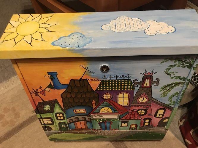 Makerist - Handgemalter Briefkasten inclusive Zeitungsrolle - DIY-Projekte - 2