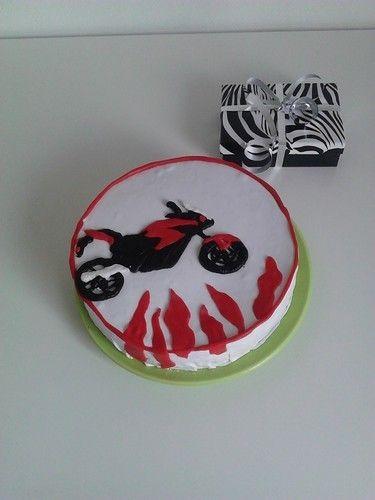 Makerist - Torte die dritte, Rollfondant Cover, Honda  - Torten, Cake Pops und Cupcakes - 1