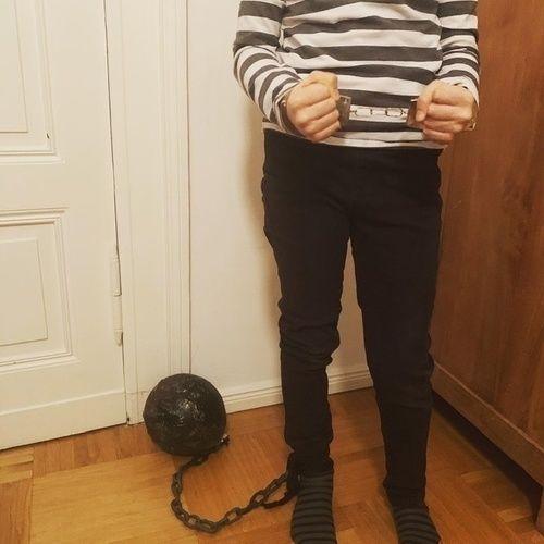 """Makerist - Pappmaché Ball für gefangenen Kostum """"Ball & Chain"""" - DIY für Kinder - 3"""