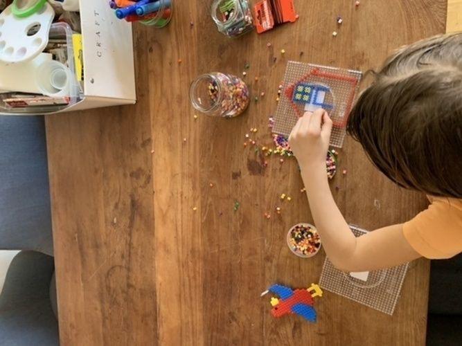 Makerist - Haus aus Bugelperlen  - DIY für Kinder - 1