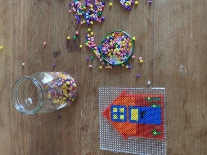 Makerist - Haus aus Bugelperlen  - DIY für Kinder - 2