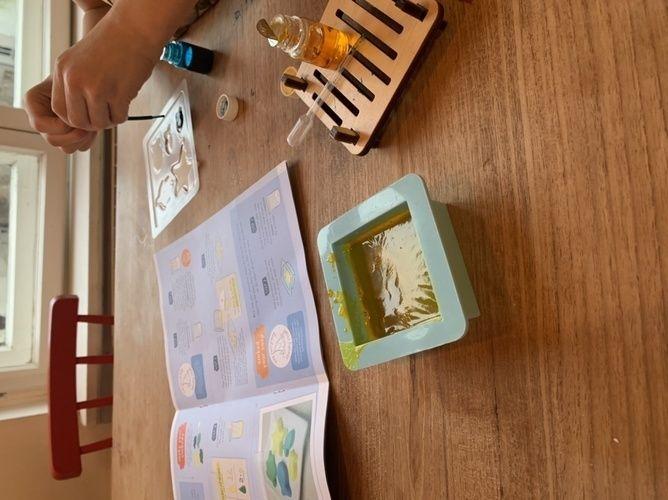 Makerist - Seife zu haus machen mit kinder  - DIY für Kinder - 1