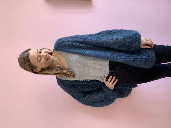 Makerist - Fluffy Lilly Strickjacke in Petrol - Strickprojekte - 1