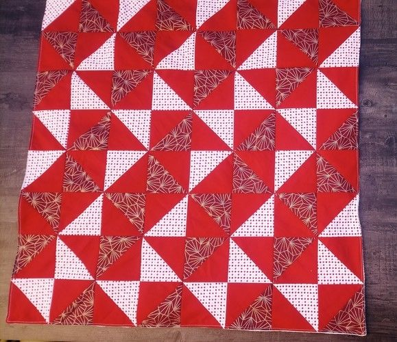 Makerist - Couverture bébé patchwork rouge  - #makeristalamaison - 2