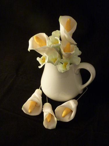 Makerist - Callas mit weißen Hortensien - Torten, Cake Pops und Cupcakes - 1