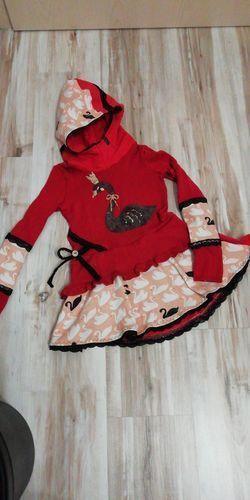 Makerist - Stylisches Volant Kleid mit Kuschelkapuze - Nähprojekte - 1