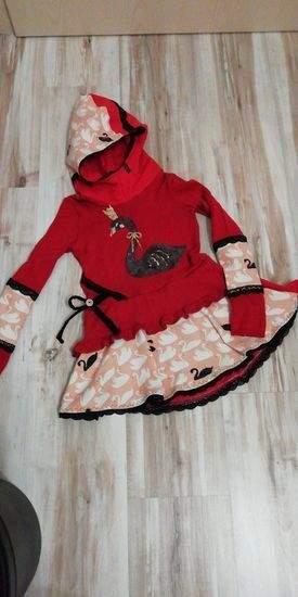Stylisches Volant Kleid mit Kuschelkapuze