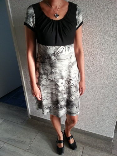 Makerist - Sommerkleid aus Viscosejersey - Nähprojekte - 1