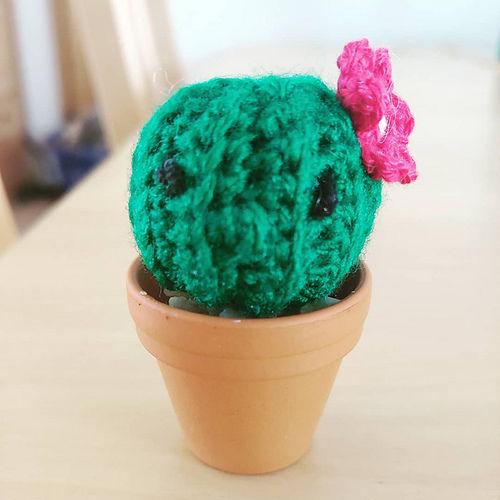 Makerist - Mein kleiner grüner Kaktus - Häkelprojekte - 1
