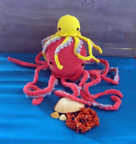 Makerist - Ilse la maman pieuvre et son petit Bébé Swan - Créations de crochet - 2