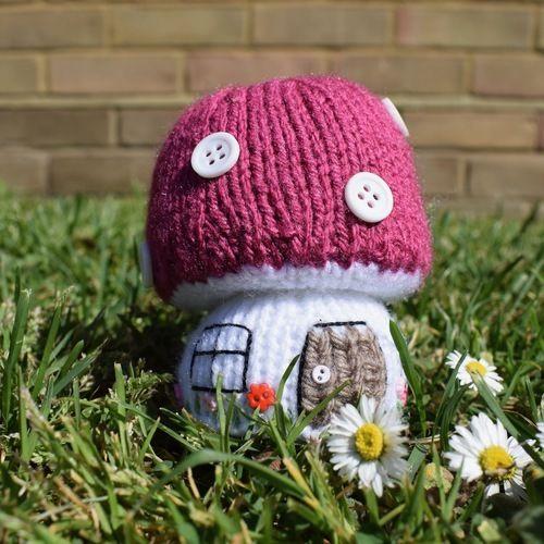 Makerist - Toadstool Cottage - Knitting Showcase - 2